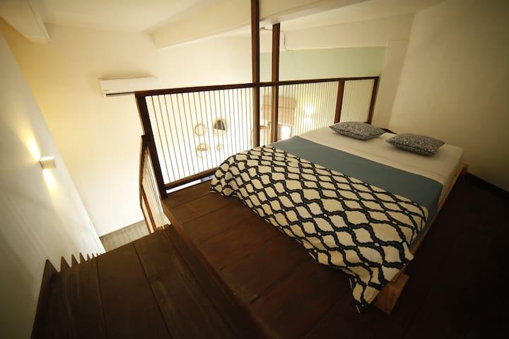 Cozy Apartment Historic Center with Balcony 204