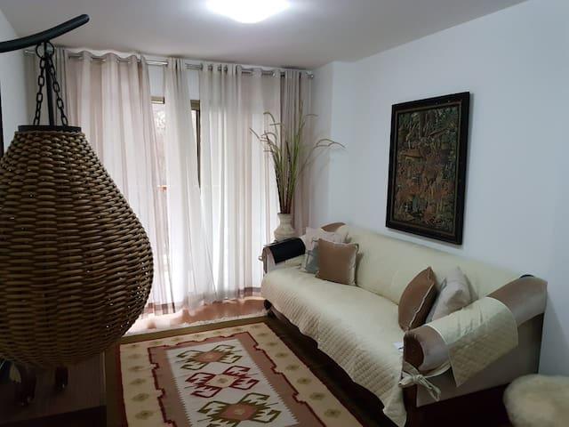 Apartamento aconchegante no coração de Teresópolis