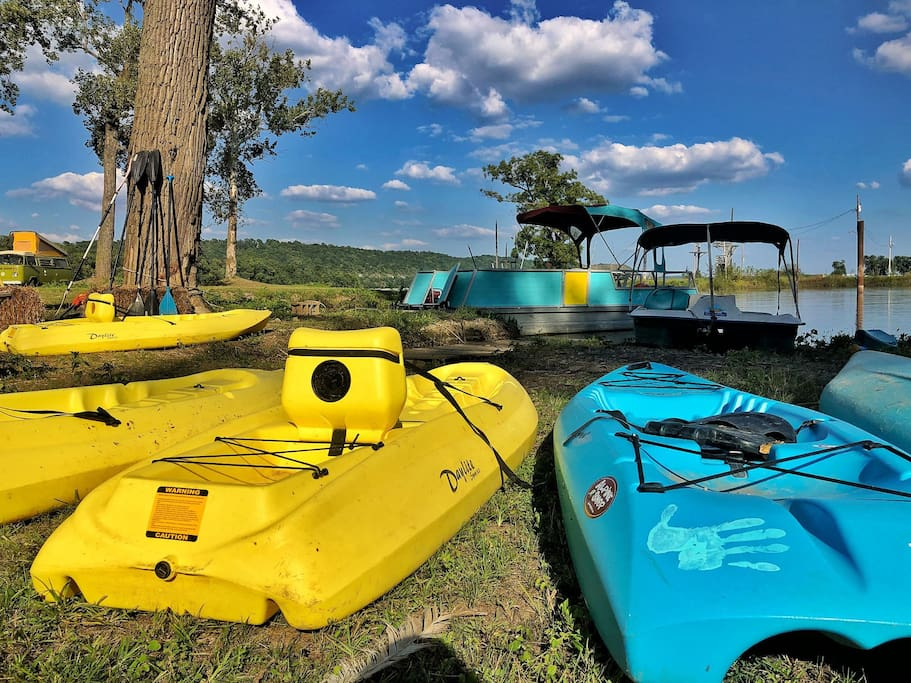 Complimentary Kayaks & paddleboards