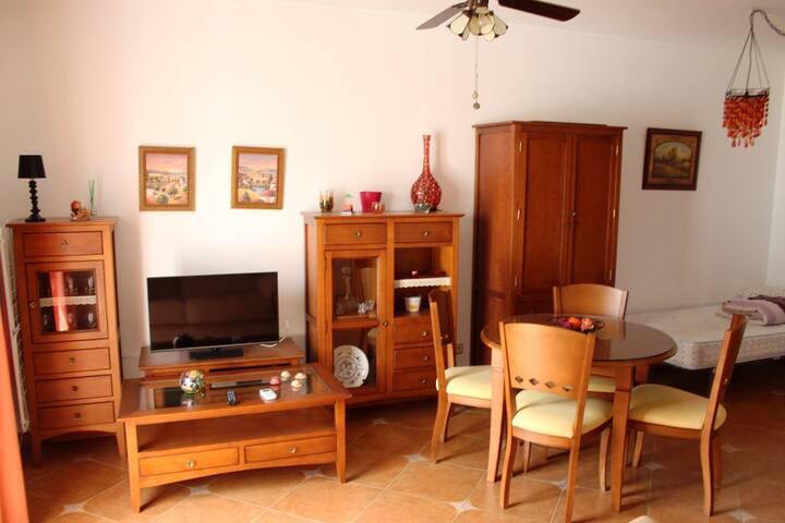Estudio céntrico en Cómpeta, Málaga.