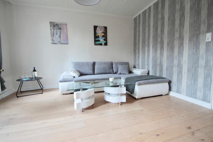 Ruhige Wohnung mit Terrasse Neu