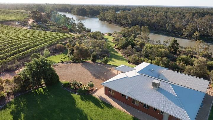 Templeton On Murray- Riverside group accommodation