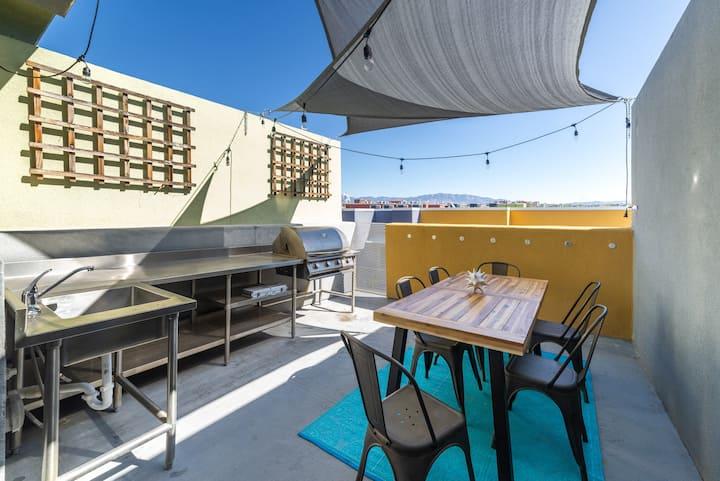 Platinum Loft - 2 Rooftop Decks! Amazing VIEWS!