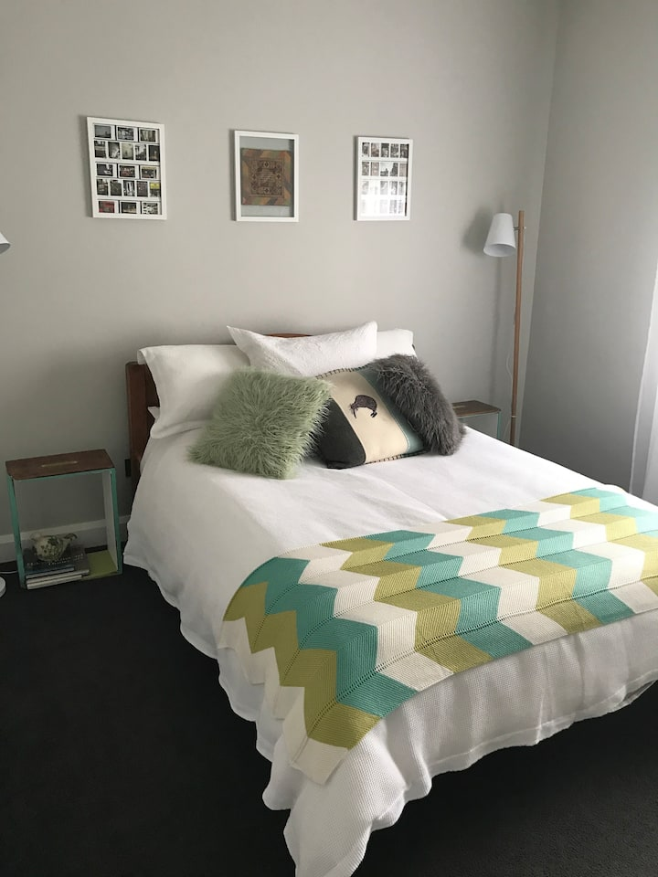 Double Room, Great location, and beautiful home