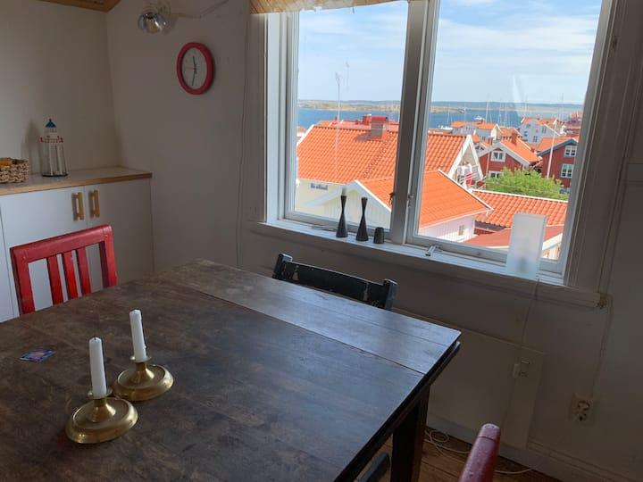 Käringön - övervåning med kök/wc och havsutsikt