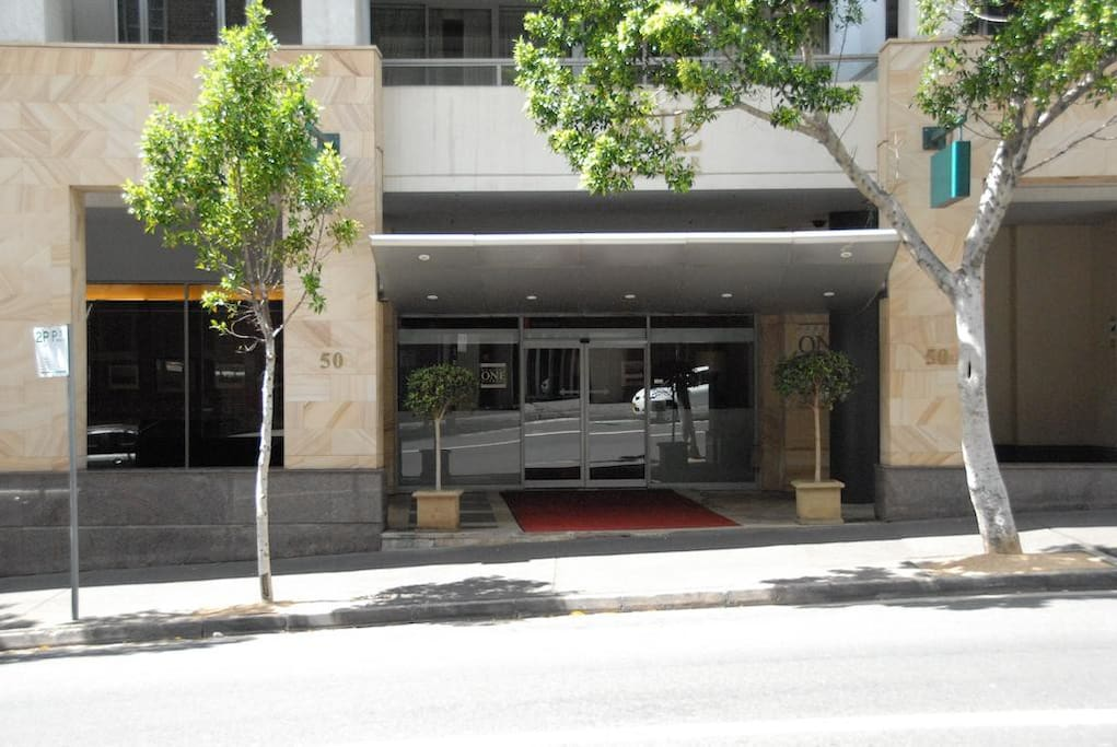 3 Bedroom Darling Harbour Executive Stay Apartment Apartments For Rent In Pyrmont New South