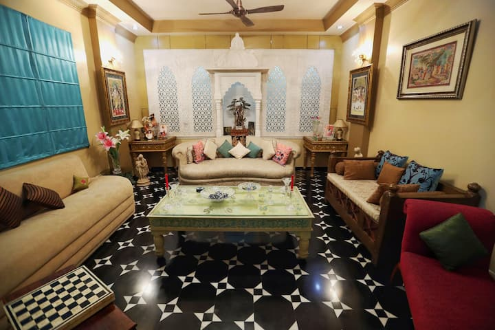 "AURA HOME STAY ""PRIVATE"" Luxury Bedroom at Jaipur"