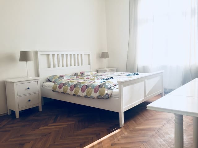 NEW apartment 10 min walk from Prague castle