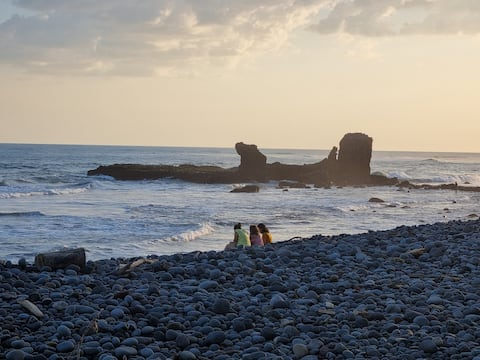 BEACH FRONT HOUSE•PLAYA EL TUNCO•SURF CITY