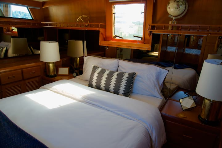 Liveaboard Boat Bliss