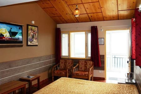 Valley facing dlx room with balcony - Shoghi