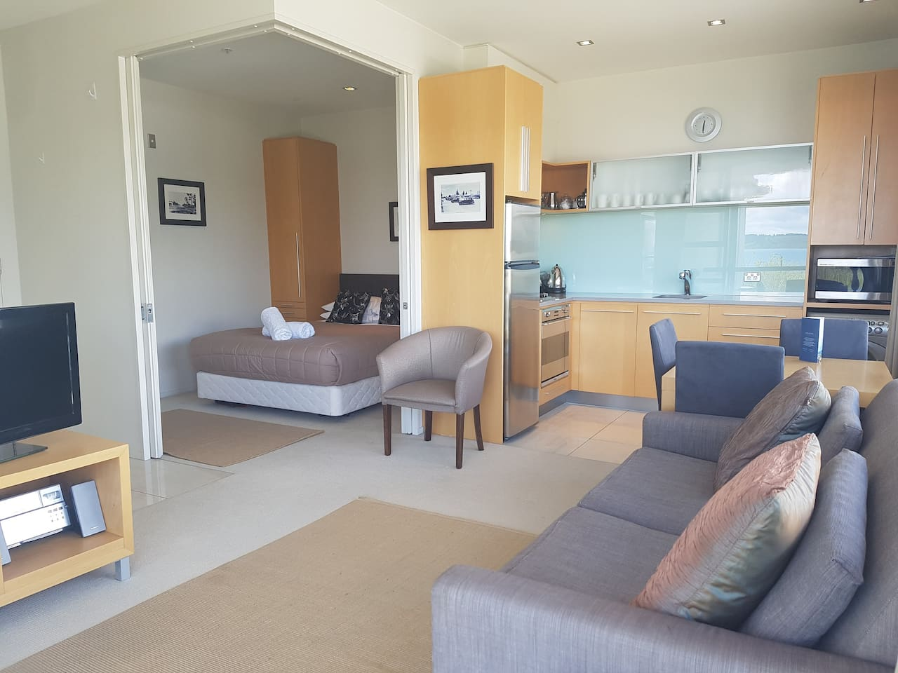 Modern One Bedroom Studio Apartment
