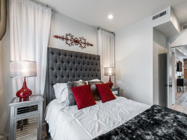 Beautiful & Spacious Bedroom with Queen size Memory Foam Bed, Bamboo Pillows and plenty of lighting for your Comfort while staying here.