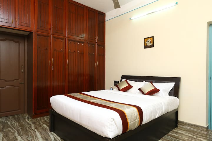 OYO - Lively 1 BR Abode in Pondicherry Price Dropped