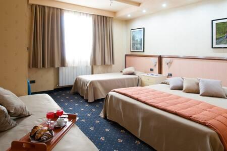 Camera confortevole in Hotel vicino centro storico - Volterra - Bed & Breakfast