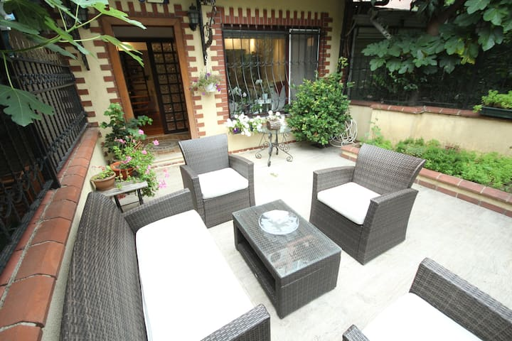 ETILER, 2  BEDROOMS, 2 BATHROOMS w/ GARDEN&JACUZZİ
