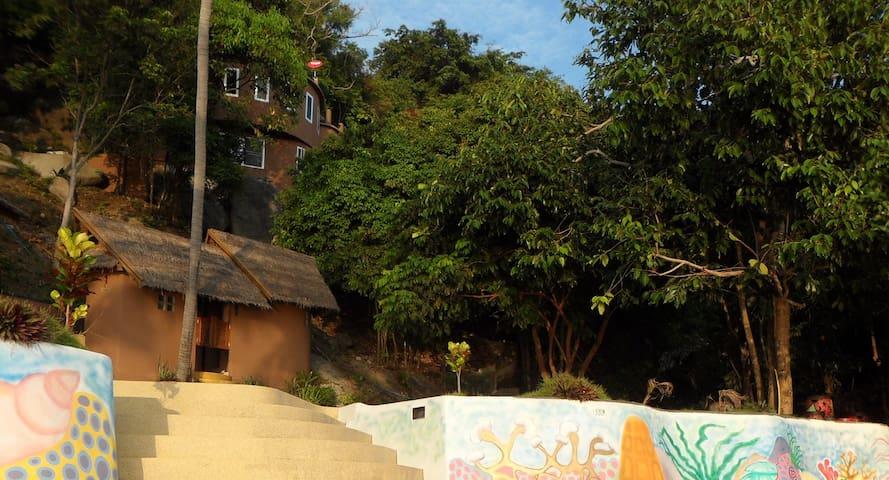 Samsara Mountain Jungle Villa with pool and beach