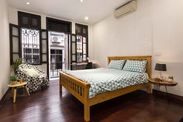 SUPER SPACIOUS ROOM @ Hanoi Heart-LACQUER(10% off)