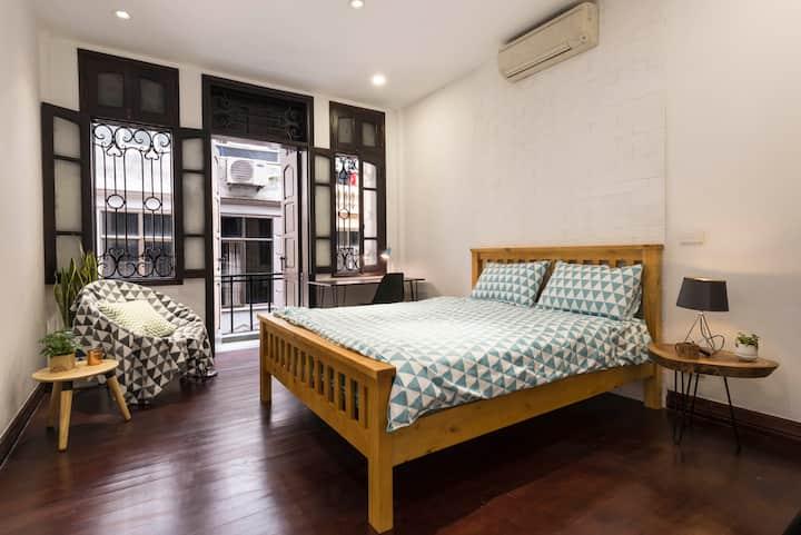 SUPER SPACIOUS ROOM @ Hanoi Heart-LACQUER(10% off)