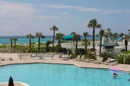 Destin West Gulfside 209 - You Own Slice of Paradise! - Ocean Views - Free Beach Service! - Okaloosa Island - Kondominium