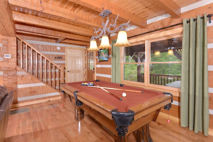 Appalachian Escape Cabin - Gatlinburg-Pigeon Forge