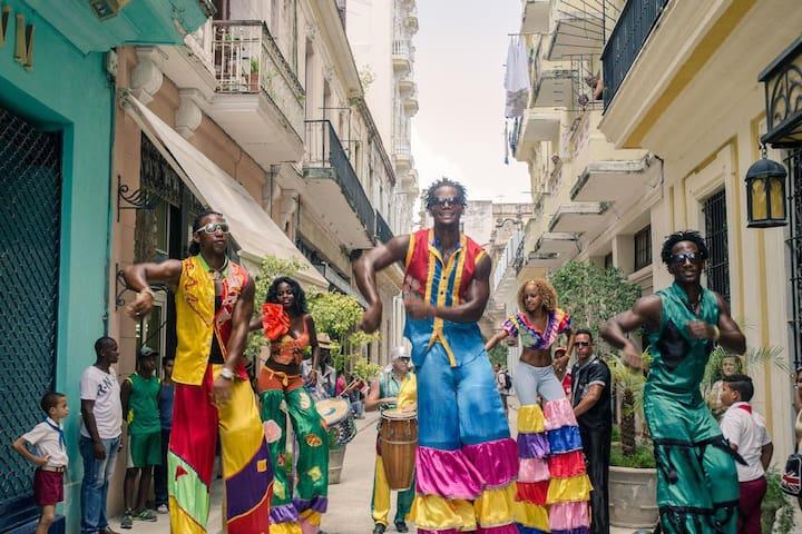 Private Studio Mercaderes3 in the ❤️ of Old Havana