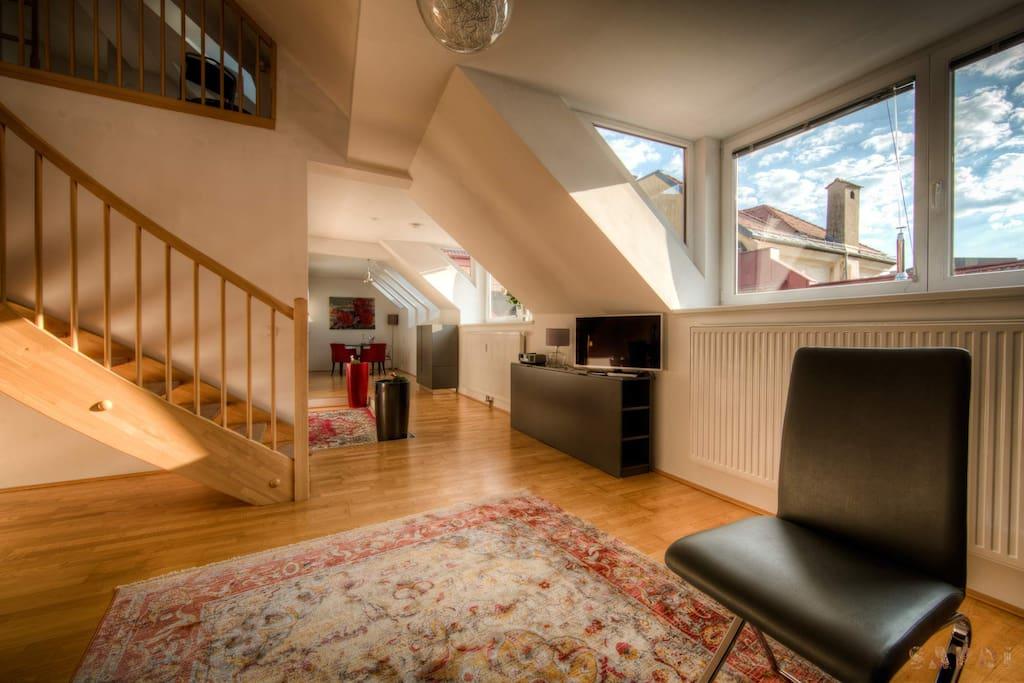 Blick Wohnzimmer in Richtung Küche