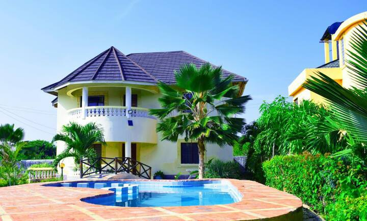 Family Villa in Diani. Near the Beach