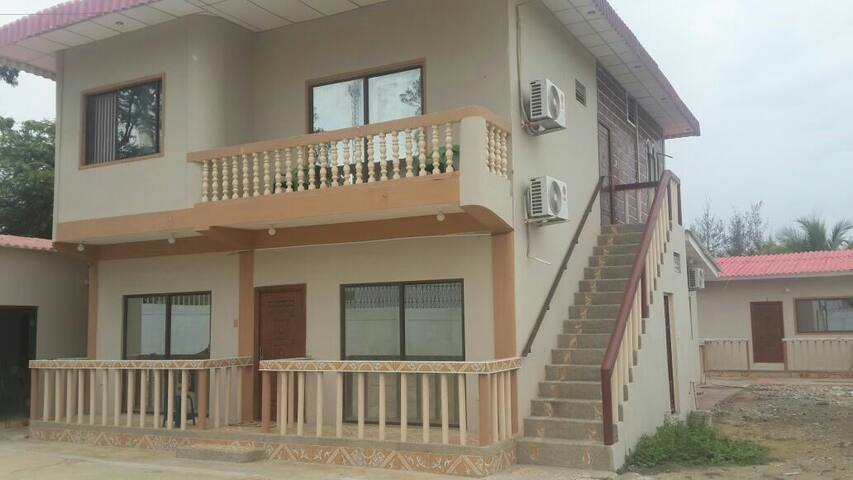 Peaceful beach house, very comfort - Playas - House