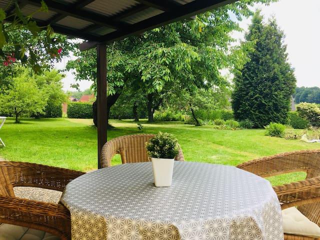 Gemütliches Ferienhaus mit großem Garten