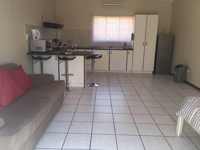 Spacious Living area & Kitchen