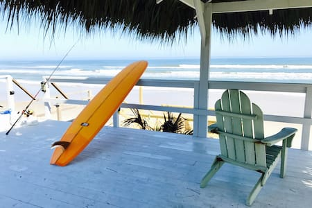 Secluded Tiki Beachhouse - New Smyrna Beach - Huis