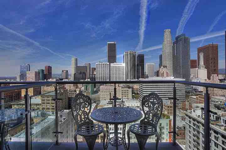 ❤ 16th Floor Modern Loft w/ Panoramic City Views