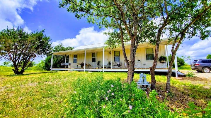 Peaceful Hutto Farmhouse on 5 Acres