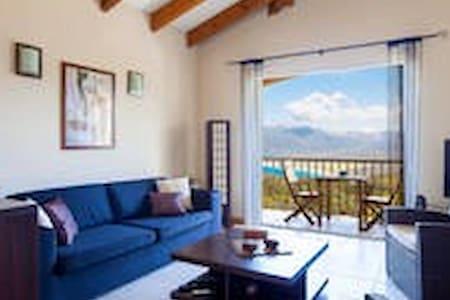Maison vue mer et montagne avec piscine - Propriano