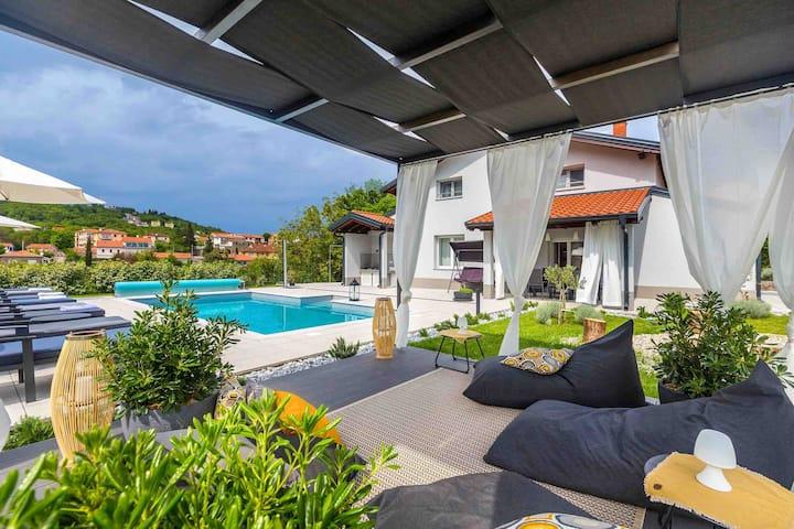 Villa Sušanj okružena prirodom, privatnim bazenom