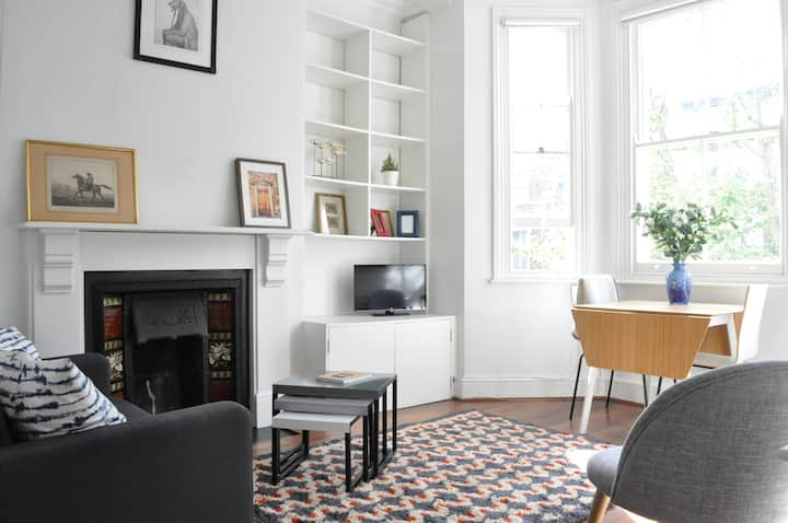 Bright 1 BDR Flat Perfect for City Getaway