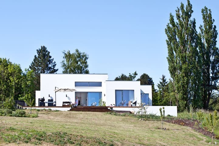 NEW VILLA WITH POOL AND VIEW