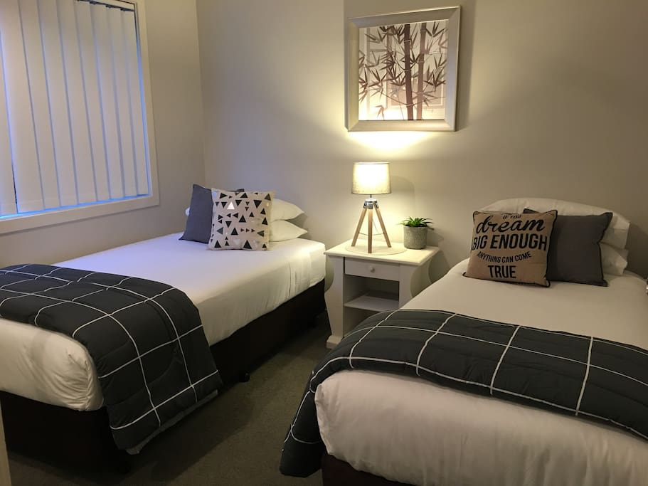 We can add a bed (1 King single & 1 Standard Single) to the 2nd Bedroom for bookings of 3 or more. Extra person nightly charge applies