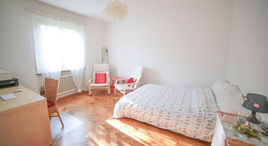 Cosy Sunny Flat to Rent - Renens - Apartment
