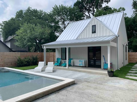 New Zilker Guest House w/ Pool- Centrally located!