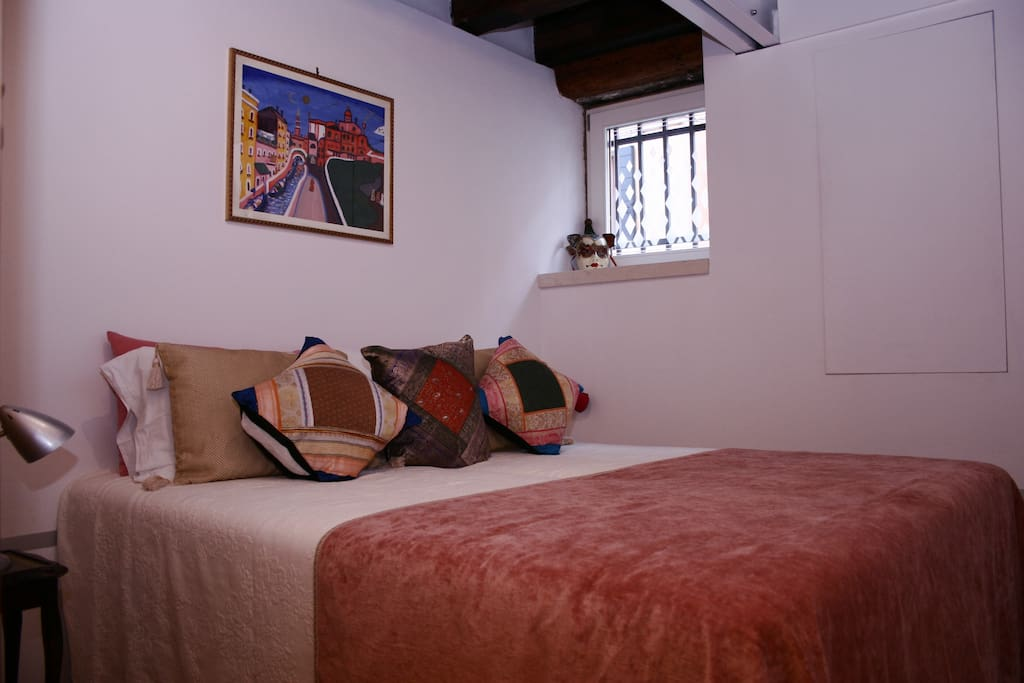 This room can be set-up as a double bed or two singles.