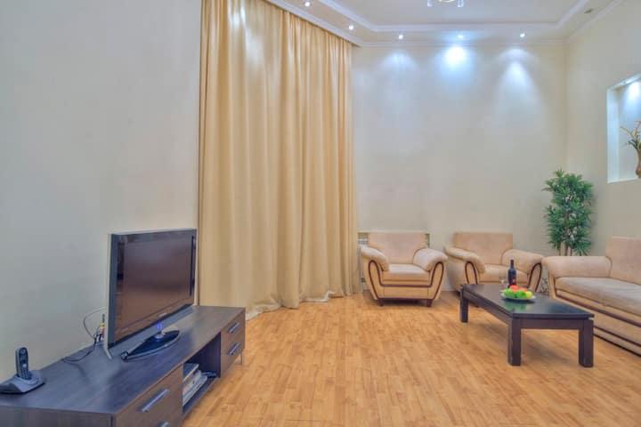 Светлая 2-кмн. квартира в центре ул. Костельная 7