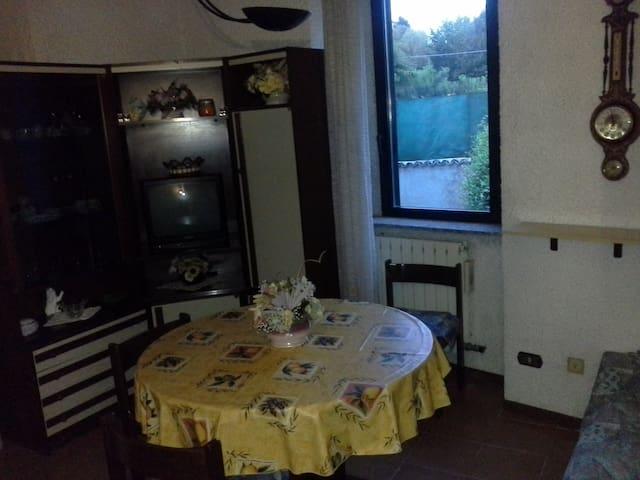 Bilocale a Somma Lombardo Malpensa 2/3 posti letto - Somma Lombardo - Casa