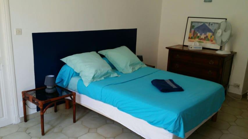 chambre centre ville Bastia proche gare et port