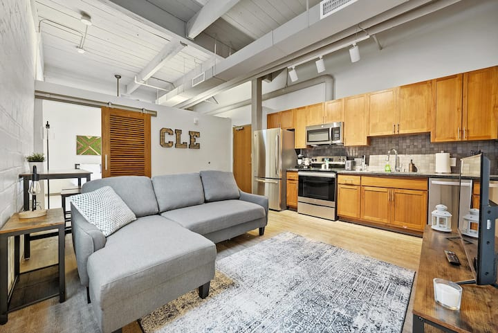 Industrial Loft Apartments in the BEAUTIFUL NEW Superior Building! #311