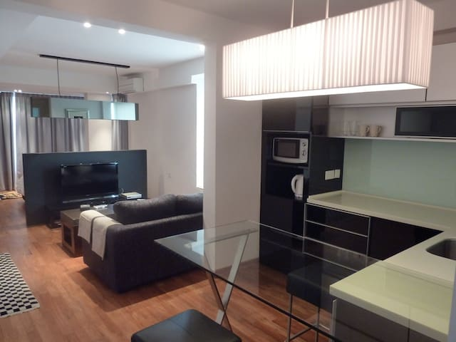 Comfy apt @ River Valley 12 mins to Somerset MRT
