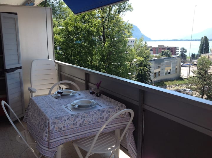 Modern studio by the lake in Montreux, near Vevey