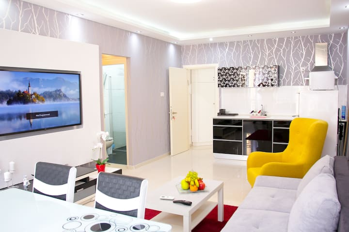 Bat Yam Two Rooms Luxury  Apartment