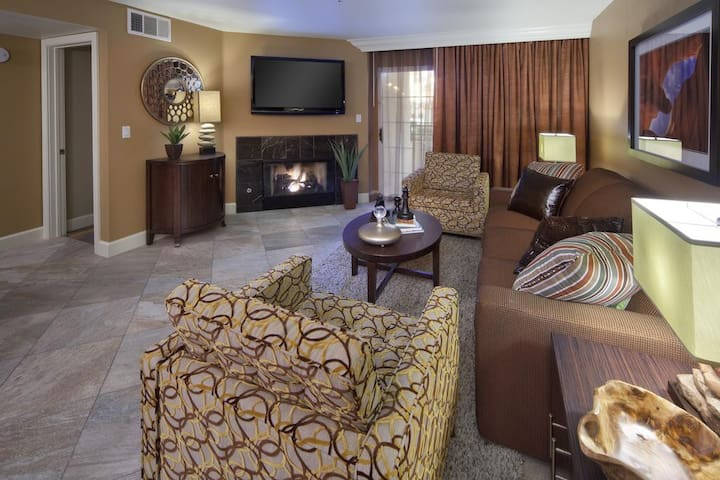 A fireplace and a flat-screen TV are featured in each suite. Stay connected with complimentary wi-fi during your stay. *Timeshare property: bed & kitchen type and unit layouts may vary.